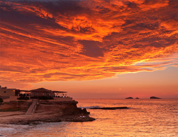 best-sundowner-spots-in-ibiza_TA